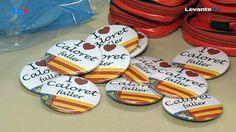 """Uno de nuestros últimos trabajos... Chapas personalizadas de 59 mm.   El PP en la ciudad reparte 200 chapas \""""I love caloret faller\"""" Fallas Valencia 2015"""