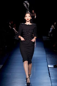 See the complete Jean Paul Gaultier Fall 2010 Couture collection.