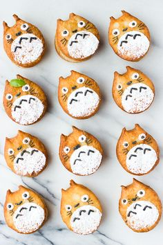 Totoro Cronuts/Totoronuts Source: Whisk Kid Where food lovers unite. Japanese Sweets, Japanese Candy, Japanese Food, Cute Food, Yummy Food, Cake Land, Snack Recipes, Dessert Recipes, Brunch Recipes