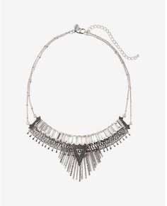 This chic necklace makes a serious statement. Coiffure Et Beauté, Fringues,  Maquillage, 3460cff9844