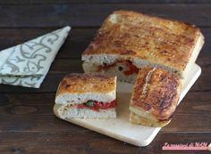 Focaccia alla pizzaiola Italian Style, Bread Recipes, French Toast, Pizza, Olive, Breakfast, Food, Salads, Essen