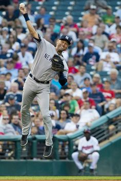 Derek Jeter Photo - New York Yankees v Cleveland Indians
