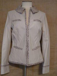 Dana Buchman Leather Jacket Size 6 Snakeskin print Ivory Gray Women's Fitted #DanaBuchman #Leatherjacket #snakeskin