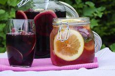 Sangria Sangria, Mason Jars, Alcoholic Drinks, Mugs, Vegetables, Tableware, Glass, Recipes, Food