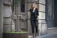 Camille @Noholita porte le smoking de la sélection Anne Valérie Hash de décembre http://www.comptoirdescotonniers.com/eboutique/collection-femme/jeans-et-pantalons/7734-vie-couleur-noir-ref-vie.html?utm_source=pinterest_page&utm_medium=social_media&utm_term=cible_FR&utm_campaign=avhdecembre