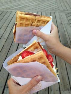 Belgian ice-cream sandwich I Wish I Knew, Waffle Sandwich, Whipped Cream, Nutella, Waffles, Strawberry, Food Porn, Sandwiches, Waffle