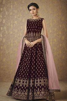 Picture of enticing wine designer floor length suit Latest Salwar Suits, Latest Salwar Kameez, Salwar Suits Online, Designer Salwar Suits, Indian Anarkali, Pakistani Dresses, Indian Dresses, Long Anarkali, Boho Summer Outfits