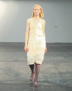 Helmut Lang Fall 1998 Ready-to-Wear Collection Photos - Vogue