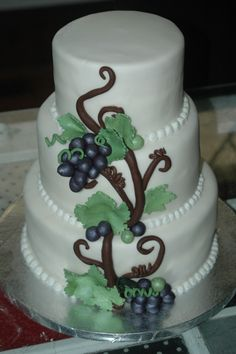 vineyard themed wedding cakes vineyard themed wedding wedding cakes amp other special 21598