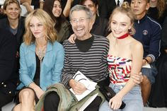 Chanel Spring 2016 Ready-to-Wear Fashion Show Front Row