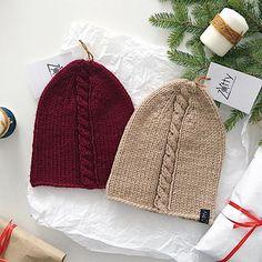 WEBSTA @ uli_zotova - Вот ещё две пухляшки из толстенькой пряжи☺️, идут в комплект со двойными снудами,  цена со скидкой 2️⃣2️⃣0️⃣0️⃣₽(вместо 2590₽)Шапули 53-57 см#zotty_shop #zotty_вналичии #knitting #knithat  #knitlove #handknitted #handmade #iloveknitting #knitwear #knitting_inspiration #вязание #вяжуназаказ #вязаниеназаказ #шапка #шапочка #шапкибини #шапканазаказ #шапкаснуд #ручнаяработа #йошка #йошкарола #вяжутнетолькобабушки #ямама #зимняяшапка #вязанныевещи #вязаннаяшапка…