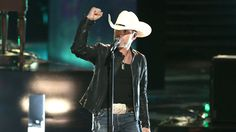 "Watch Justin Moore: ""Lettin' the Night Roll"" from The Voice on NBC.com"