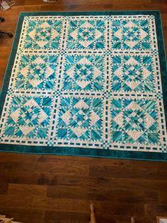 Aqua Quilt, Bonnie Hunter, Quilting Designs, Quilting Ideas, Emerald City, Quilt Patterns, Scrap, Quilts, Blanket