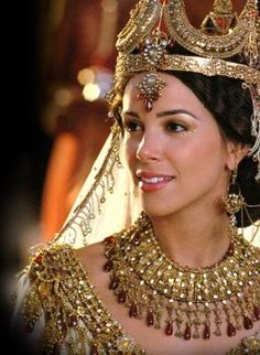 """LOVE this look!!! (Actress Tiffany Dupont as Queen Esther from """"One Night With The King"""")"""