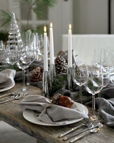 Christmas Decorations, Table Decorations, Christmas Time, Table Settings, Candles, Party, Furniture, Instagram, Home Decor