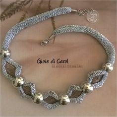Guarda questo articolo nel mio negozio Etsy https://www.etsy.com/it/listing/471216993/collana-girocollo-in-tessuto-con-perle