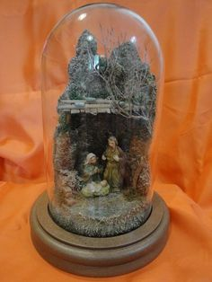 Glass Domes, Antique Glass, Snow Globes, Nativity, Christmas Crafts, 1, Antiques, Home Decor, Saints