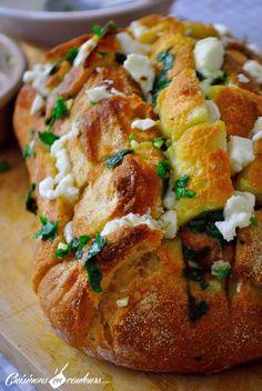 Cheese & garlic bread : un pain fourré au fromage et à l'ail! - Cuisinons En Couleurs