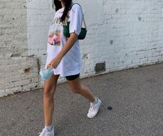 "Savannah Lee Lynch (Latimer)🦋 on Instagram: ""ヾ(。 ̄□ ̄)ツG2G"""