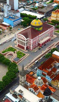 Teatro construído no século 19, em arquitetura art noveaux. Manaus, Amazonas State - Brazil