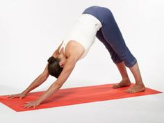 Yoga Poses for Runners: Downward Dog. The most common issues for runners are shin splits, knee and foot problems, and IT-band syndrome. Try poses that are going to lengthen, strengthen, and open the h Fitness Tips, Fitness Motivation, Health Fitness, Yoga For Runners, Discipline, Downward Dog, Relaxing Yoga, Yoga Positions, Cool Yoga Poses