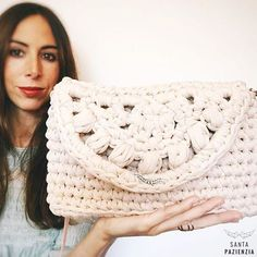 Marvelous Crochet A Shell Stitch Purse Bag Ideas. Wonderful Crochet A Shell Stitch Purse Bag Ideas. Crochet Clutch, Crochet Handbags, Crochet Purses, Love Crochet, Diy Crochet, Puff Stitch Crochet, Cotton Cord, Macrame Purse, Best Leather Wallet