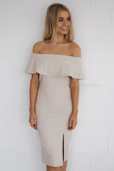College Graduation Outfit Ideas Ideas graduation dress med grad in 2019 college maternity dresses College Graduation Outfit Ideas. Here is College Graduation Outfit Ideas Ideas for you. College Graduation Outfit Ideas what to wear to a graduation t. Teenager Outfits, College Outfits, College Fashion, Graduation Attire, College Graduation, Graduation Ideas, Trendy Dresses, Sexy Dresses, Modest Dresses