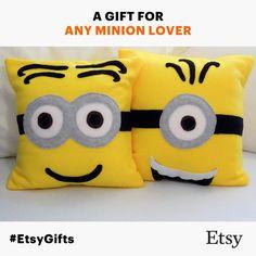 Super cute Minion fleece throw pillows! www.etsy.com/shop/PatternsOfWhimsy #EtsyGifts