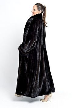 ORIGINAL BLACKGLAMA MINK FUR COAT - FULL LENGTH BLACK FEMALES - NERZ HOPKA VISON