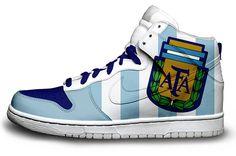 Argentina National Soccer Team Shoes.  I need a pair of these lovelies. Must order a pair! Tengo que conseguir un   par de estas lindas...