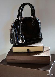 LV Alma BB in glossy Epi leather