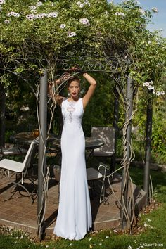 nurit hen bridal 2014 2015 sleeveless wedding dress illusion