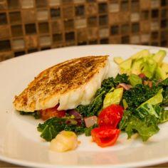 Stekt torsk med tomatsalat og avocado