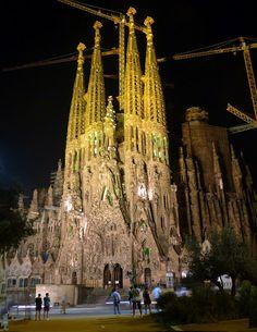 Sagrada Familia. Antoni Gaudi. Barcelona ∞
