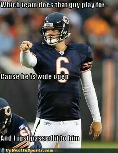 I try not to hate on other teams but I can't help myself with the bears XD Funny Nfl, Funny Sports Memes, Nfl Memes, Football Memes, Sports Humor, Football Comedy, Football Stuff, Football Season, Football Shirts