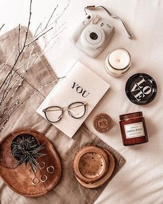 23 Clever DIY Christmas Decoration Ideas By Crafty Panda Cozy Aesthetic, Brown Aesthetic, Flat Lay Photography, Book Photography, Soy Wax Candles, Scented Candles, Aesthetic Iphone Wallpaper, Aesthetic Wallpapers, Organic Candles
