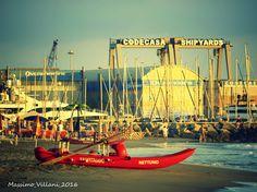 la spiaggia e il cantiere