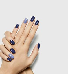 Uploaded by Amanda Bonotto. Find images and videos about blue and nails on We Heart It - the app to get lost in what you love. Minimalist Nails, Cute Nails, Pretty Nails, Hair And Nails, My Nails, Glitter Nails, Stiletto Nails, Uñas Fashion, Fashion Outfits