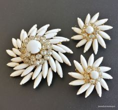 Signed Judy Lee Vintage Set Brooch Pin White Flower Daisy Rhinestone Demi! 420
