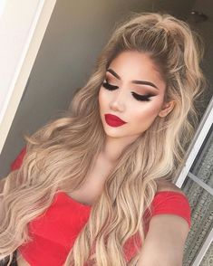 Makeup Party Natural Faces 31 Ideas - Prom Makeup For Brown Eyes Makeup For White Dress, Red Dress Makeup, Prom Makeup For Brown Eyes, Red Lipstick Makeup, Prom Makeup Looks, Hair Makeup, Makeup With Red Lips, Eye Makeup, Blonde Haare Make-up