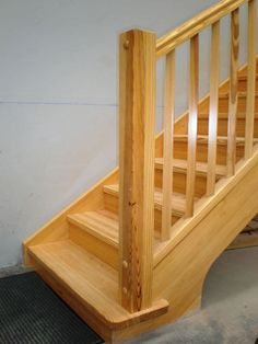 Escalera en madera maciza de roble escalera pinterest for Escaleras yuste
