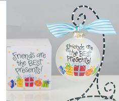 Friends Are The Best Presents Ornament | underthecarolinamoon.com #cotoncolor #cotoncolorschristmas #cotoncolorsornaments #utcm #underthecarolinamoon #christmasornament #friends