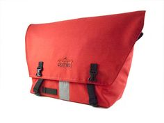 """Messential"" Pro Messenger Bag in Red"