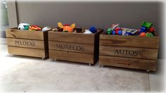 Organizá lo juguetes de tu hijo con estos cajones jugueteros divinos! Elegilo con la inscripción que quieras! Conseguilos en www.babycoming.com.ar
