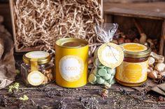 Упаковка для меда, варенья, чая, орехов, сухофруктов  — картонный тубус с брендированной этикеткой.