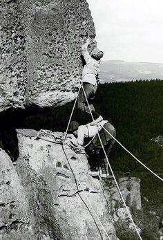 České Švýcarsko si připomíná 125. výročí ohleduplného horolezení Mount Everest, Mountains, Nature, Travel, Countries, Blue, Viajes, Naturaleza, Destinations
