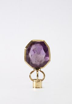 "Pendant Byzantine, 1100 The Victoria & Albert Museum ""Byzantine cameos were made in good numbers between the 10th and 12th centuries in a variety of semi-precious stones. Many showed standard images of Christ or the Virgin, familiar from coins and..."