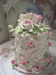 (rosalynn) SHABBY COTTAGE PINK ROSE DECORATED FAKE CAKE CHARMING!!
