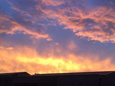 外が変わった色だったから見てみたら夕焼けがすごく綺麗だった(_) by sokko_tatikoma