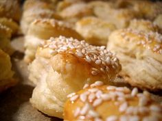 Saratele - Bucataresele Vesele Romanian Food, Romanian Recipes, Savoury Biscuits, Cake Cookies, Scones, Crackers, Doughnut, Baked Potato, Party